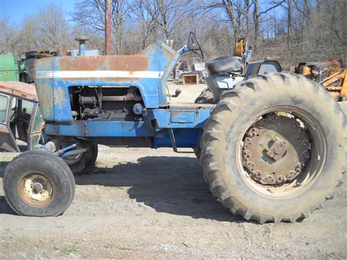 Ford 8000 tractor salvaged for used parts. This unit is available at All States Ag Parts in Ft. Atkinson, IA. Call 877-530-3010 parts. Unit ID#: EQ-15528. The photo depicts the equipment in the condition it arrived at our salvage yard. Parts shown may or may not still be available. http://www.TractorPartsASAP.com