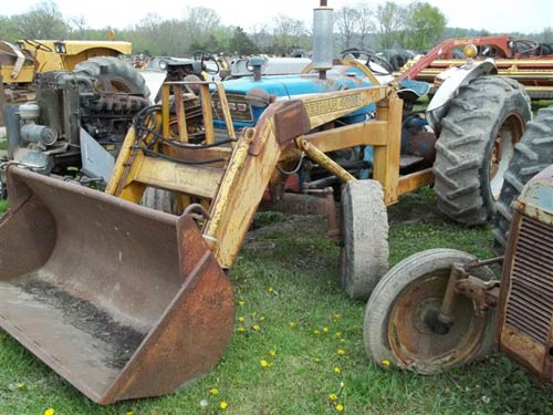 Ford 4000 tractor salvaged for used parts. This unit is available at All States Ag Parts in Ft. Atkinson, IA. Call 877-530-3010 parts. Unit ID#: EQ-18423. The photo depicts the equipment in the condition it arrived at our salvage yard. Parts shown may or may not still be available. http://www.TractorPartsASAP.com