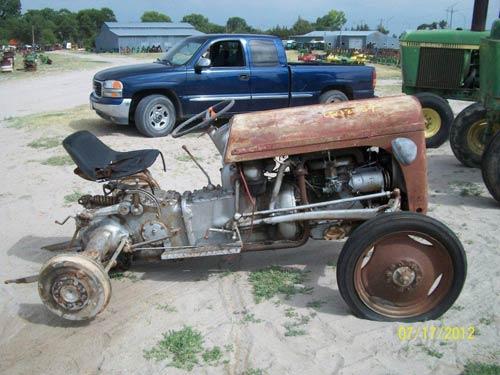 Used Massey Ferguson TEA20 tractor parts - side photo EQ-18754