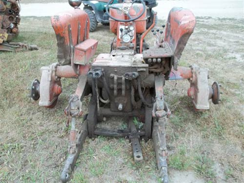 Used Allis Chalmers D17 tractor parts. Front photo EQ-18869
