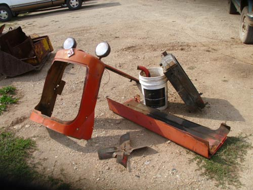 Used Allis Chalmers D17 tractor parts. Front photo EQ-19272