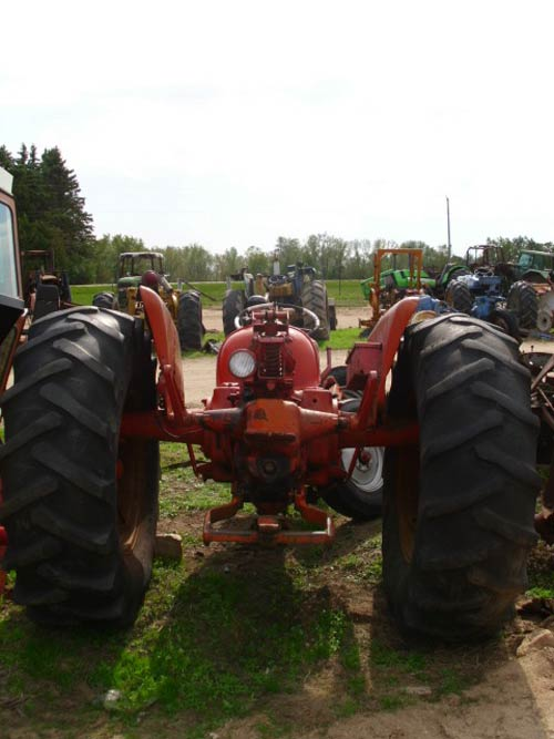 Used Allis Chalmers D17 tractor parts. Rear photo EQ-19272