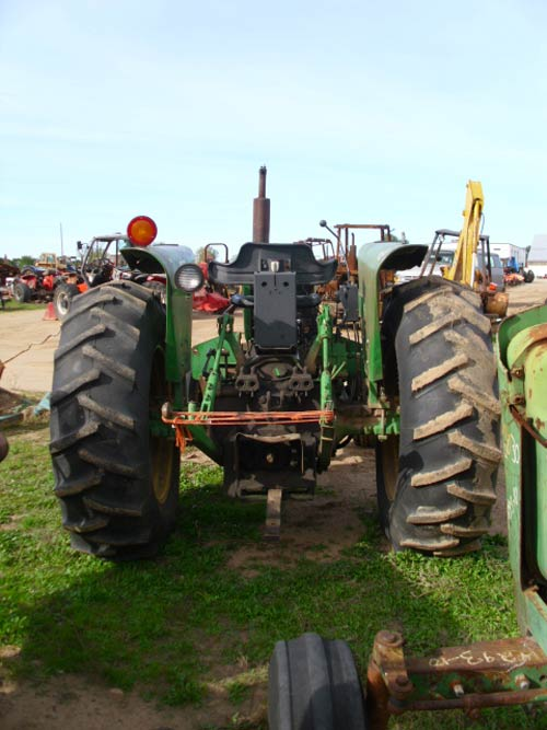 Salvaged John Deere 2440 tractor for used parts EQ19311 – John Deere 2440 Tractor Wiring