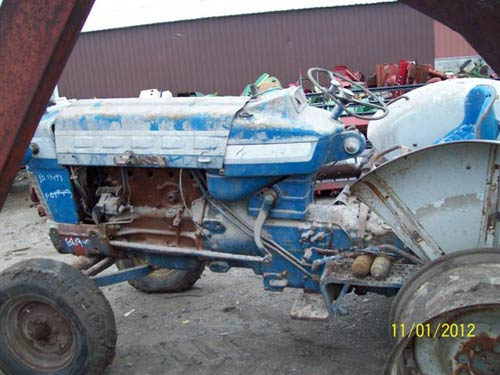 EQ 19493 B salvaged ford 5000 tractor for used parts eq 19493 all states ford 5000 tractor wiring harness at soozxer.org