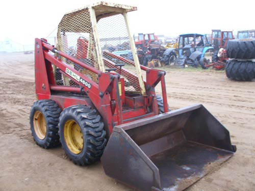 Used Gehl 4600 skid steer parts - side photo EQ-19632