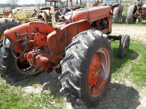 Used Allis Chalmers D17 tractor parts - front photo EQ-20047