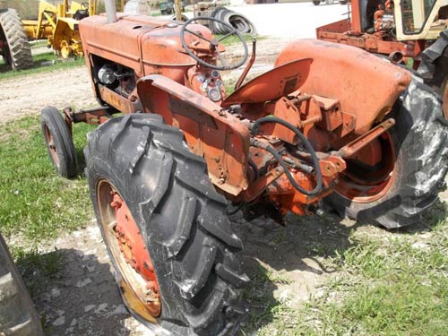 Used Allis Chalmers D17 tractor parts - rear photo EQ-20047