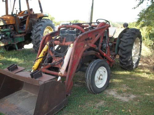 Oliver 500 tractor salvaged for used parts. This unit is available at All States Ag Parts in Ft. Atkinson, IA. Call 877-530-3010 parts. Unit ID#: EQ-21106. The photo depicts the equipment in the condition it arrived at our salvage yard. Parts shown may or may not still be available. http://www.TractorPartsASAP.com