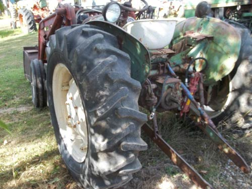 Used Oliver 500 tractor parts. Rear photo EQ-21106