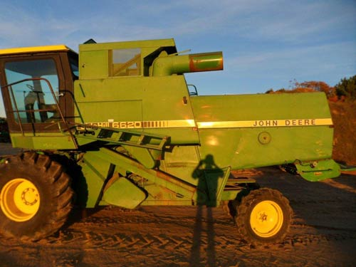 John Deere 6620 combine salvaged for used parts. This unit is available at All States Ag Parts in Downing, WI. Call 877-530-1010 parts. Unit ID#: EQ-21131. The photo depicts the equipment in the condition it arrived at our salvage yard. Parts shown may or may not still be available. http://www.TractorPartsASAP.com