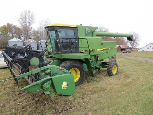 John Deere 224 header salvaged for used parts. This unit is available at All States Ag Parts in Bridgeport, NE. Call 877-530-5010 parts. Unit ID#: EQ-21522. The photo depicts the equipment in the condition it arrived at our salvage yard. Parts shown may or may not still be available. http://www.TractorPartsASAP.com