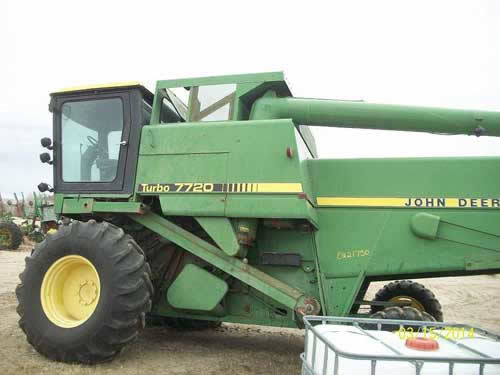 John Deere Tractor Salvage Yards : Salvaged john deere combine for used parts eq