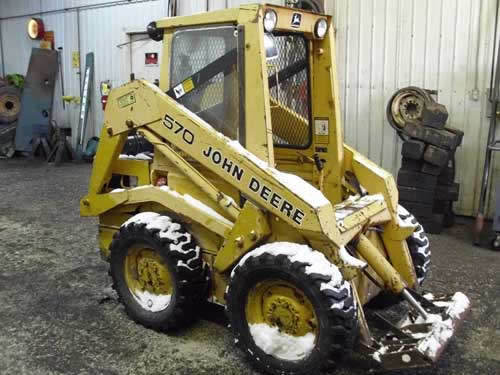 John Deere 570 skid steer loader salvaged for used parts. This unit is available at All States Ag Parts in Black Creek, WI. Call 877-530-2010 parts. Unit ID#: EQ-21804. The photo depicts the equipment in the condition it arrived at our salvage yard. Parts shown may or may not still be available. http://www.TractorPartsASAP.com