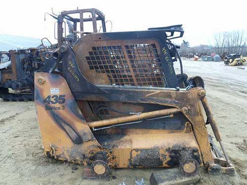 Case 435 skid steer loader salvaged for used parts. This unit is available at All States Ag Parts in Downing, WI. Call 877-530-1010 parts. Unit ID#: EQ-21933. The photo depicts the equipment in the condition it arrived at our salvage yard. Parts shown may or may not still be available. http://www.TractorPartsASAP.com