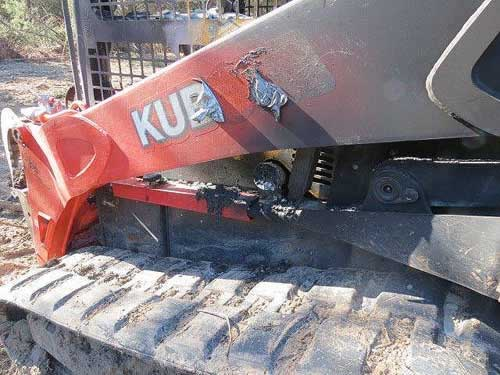 Used Kubota SLV90 skid steer loader parts. Alternate photo2 EQ-22089