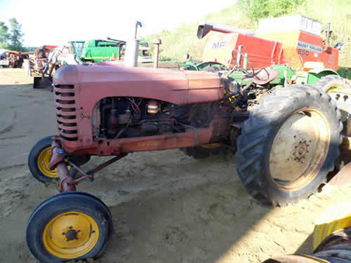 Used Massey Ferguson 33 tractor parts. Front photo EQ-22400