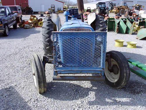 Dexta Tractor Parts : Salvaged fordson super dexta tractor for used parts eq