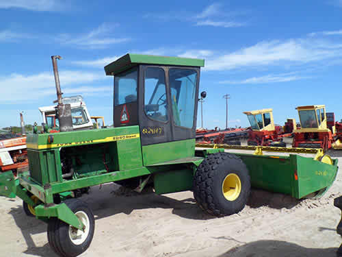 John Deere Tractor Salvage Yards : Salvaged john deere hay equipment for used parts eq