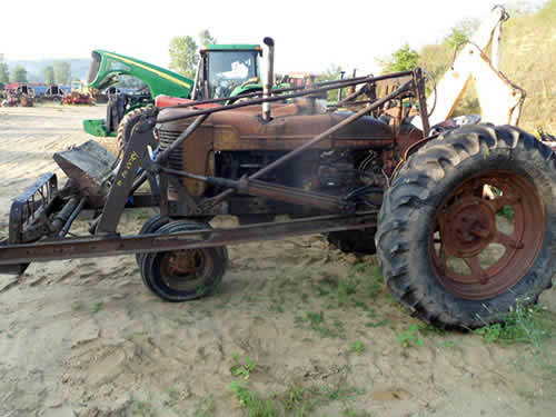 International Tractor Salvage Yard : Salvaged international m tractor for used parts eq